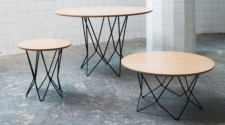 O Estudio Claro apresenta a linha Bezel na coleção DI.SE.ÑO, com mesa de centro, mesa lateral e mesa de jantar