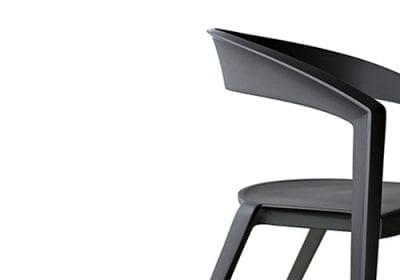 O designer Guto Indio da Costa apresenta sua marca premium: Indio da Costa Design Collection, e novidades nas linhas de sofá, luminárias, cadeiras e móveis durante a feira High Design