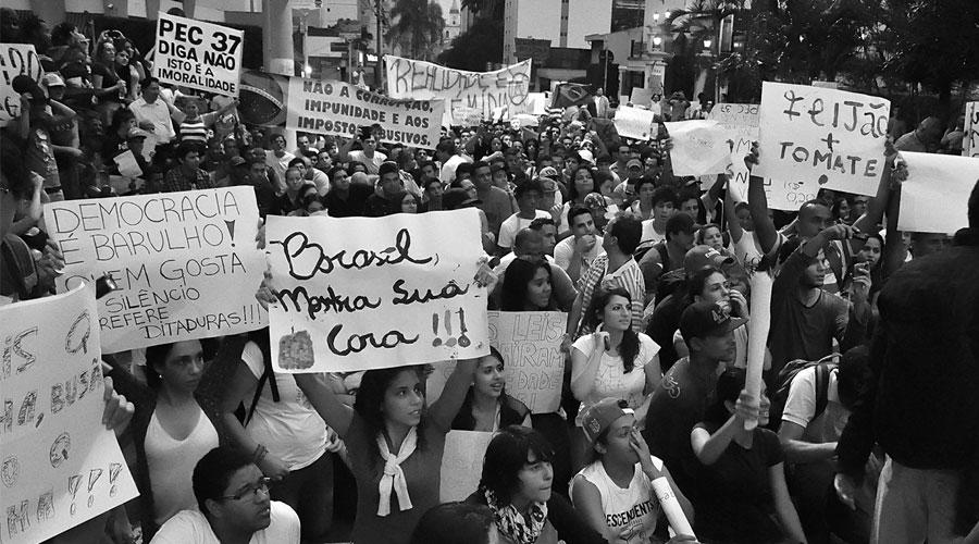 Manifestações de rua realizadas por jovens no Brasil pedindo muitas mudanças em diversos setores representam a mudança de expressão do querer no consumo