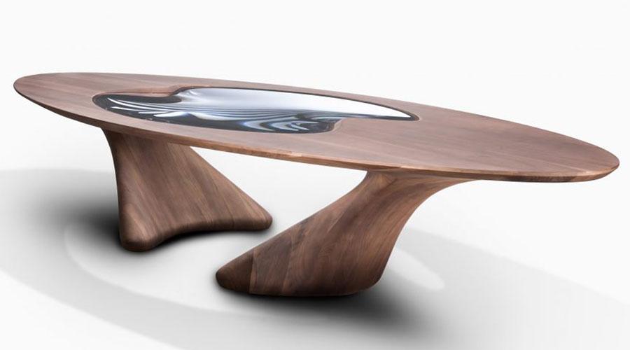 Mesa de jantar em madeira da coleção UltraStellar