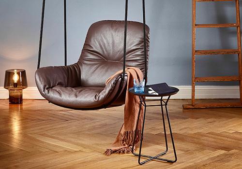 Visando o conforto e bem-estar, móveis não são somente um complemento do projeto de interiores, mas objetos valiosos e cuidadosamente selecionados. Confira os trends da IMM Cologne 2017
