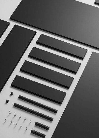 Materiais como plástico e madeira podem ser reaproveitados em móveis e tênis. A linha Kungsbacka para cozinhas da IKEA traz laminado PET e aglomerado