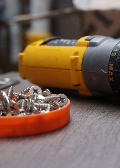 O controle do estoque é fundamental para a eficiência de uma marcenaria. Veja como organizá-lo e baixe uma planilha para ajudar no gerenciamento dos insumos