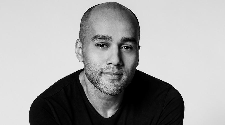 Rodrigo Almeida atua como designer de mobiliário e de interiores, além de assinar obras de arte e acessórios, mas também é estudioso da história do mobiliário