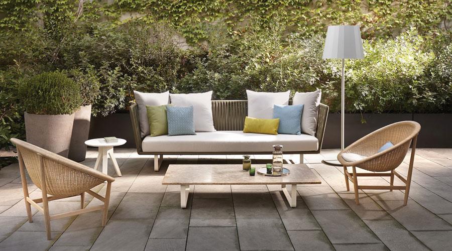 A busca de móveis para decorar a área de jardim e varanda da casa também é constatada nas redes sociais
