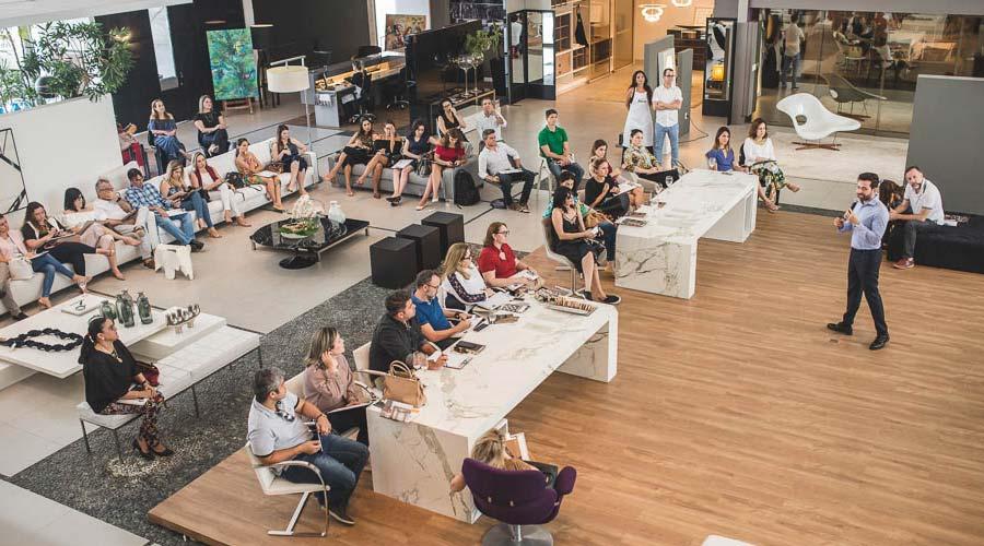 Adriano Tadeu Barbosa leva reflexão sobre os movimentos do mercado de luxo e a forma como especificadores podem se posicionar nas redes sociais