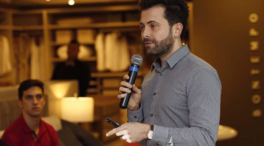 Adriano Tadeu Barbosa é consultor e palestrante sobre marketing pessoal e mercado de luxo