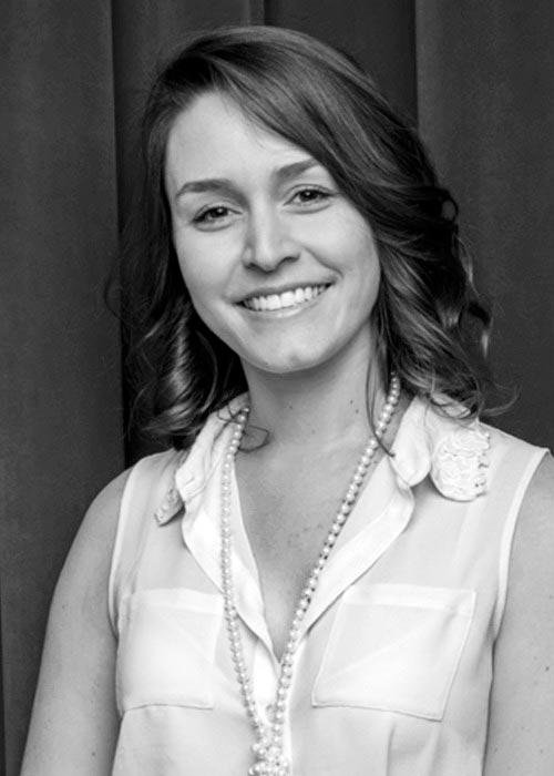 Formada em arquitetura, Daniela Medeiros atua como production designer e set designer nos Estados Unidos
