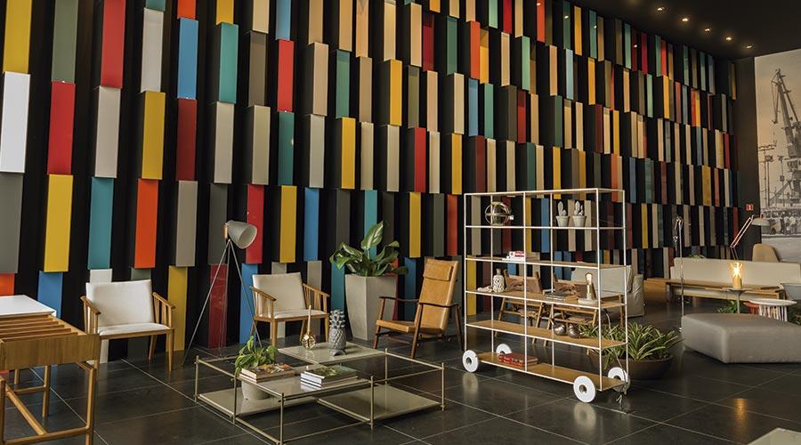 Lounge de Eventos traz conceitos de volumetria, cores e luzes, destacando o portfólio das linhas MDF Lacca AD e Lacca Cetin da Eucatex