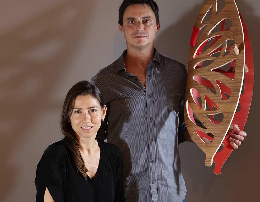 Karina Schrappe Sucre e Eduardo Sucre comandam a Noos, dedicada à fabricação de móveis e acessórios para crianças