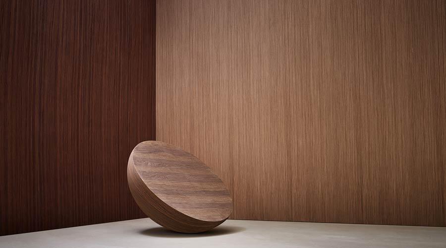 Lâminas de madeira oferecem ilimitados desenhos, com características naturais e replicando perfeitamente as cores e texturas da madeira