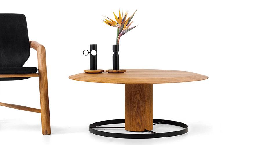 A mistura equilibrada de materiais é, inclusive, uma das caraterísticas do design autoral de Vinicius Siega