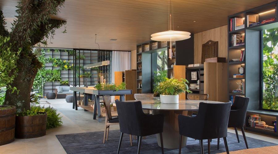 O padrão Savana também está presente na Casacor São Paulo, no ambiente Casa Terra assinado por Paola Ribeiro