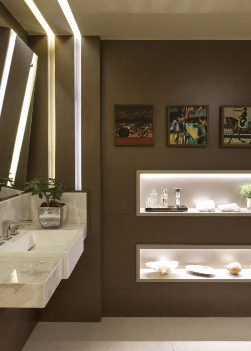 Um giro pelas feiras europeias e as mostras de decoração no Brasil também comprova esse novo status das salas de banho e banheiros